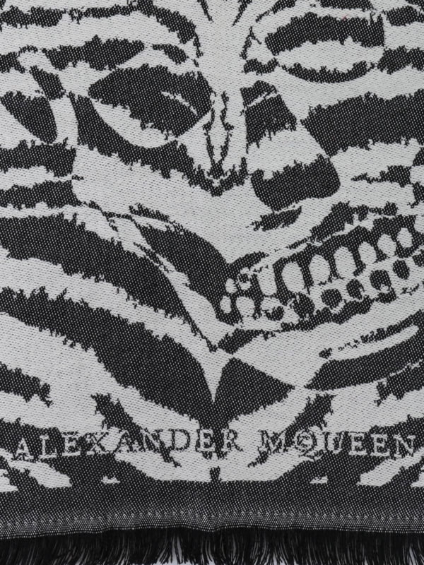 ALEXANDER MCQUEEN: scarves online - Wool jacquard fringed scarf