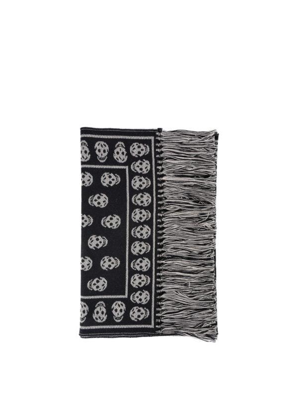 ALEXANDER MCQUEEN: scarves - Skull patterned wool fringed scarf