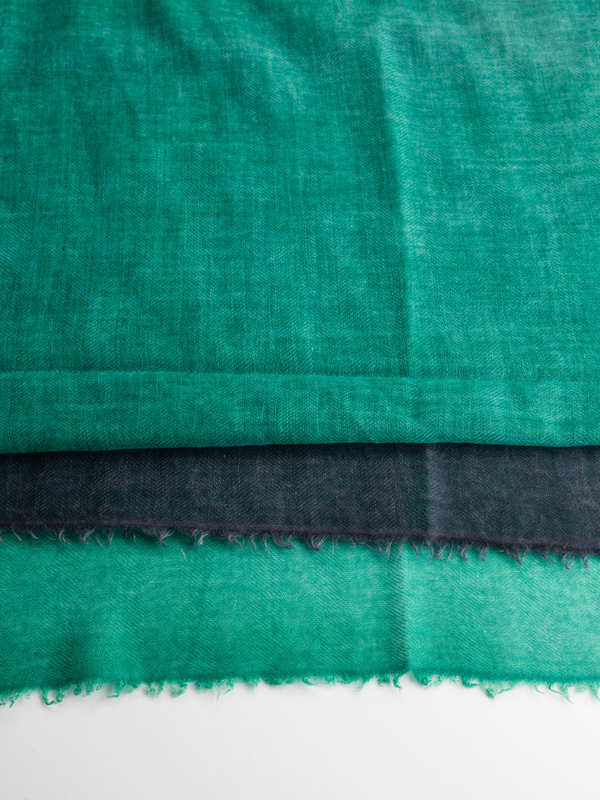 AVANT-TOI buy online Green / black scarf