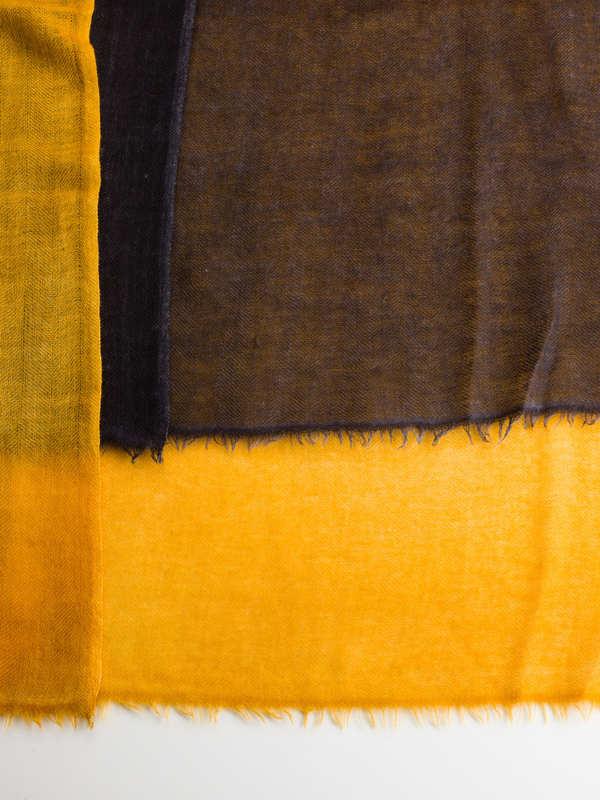 Avant Toi buy online Yellow / black scarf