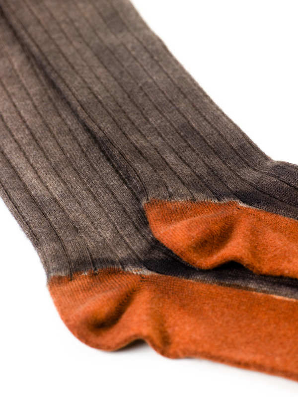 Avant Toi: Socken online - Ribbed cashmere socks