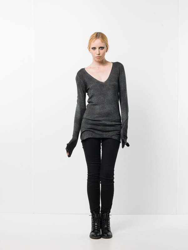 Avant Toi:  - Stretch top