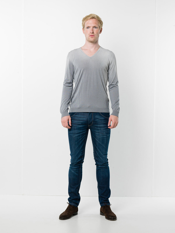 Avant Toi: Strickpullover mit V-Ausschnitt - V neck sweater