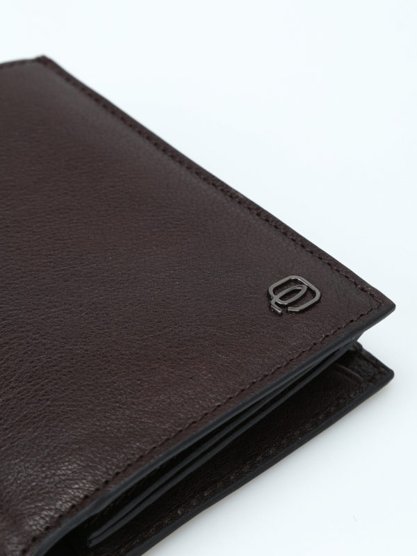 Document and card brown wallet shop online: PIQUADRO