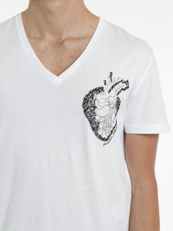 Heart embroidery t-shirt