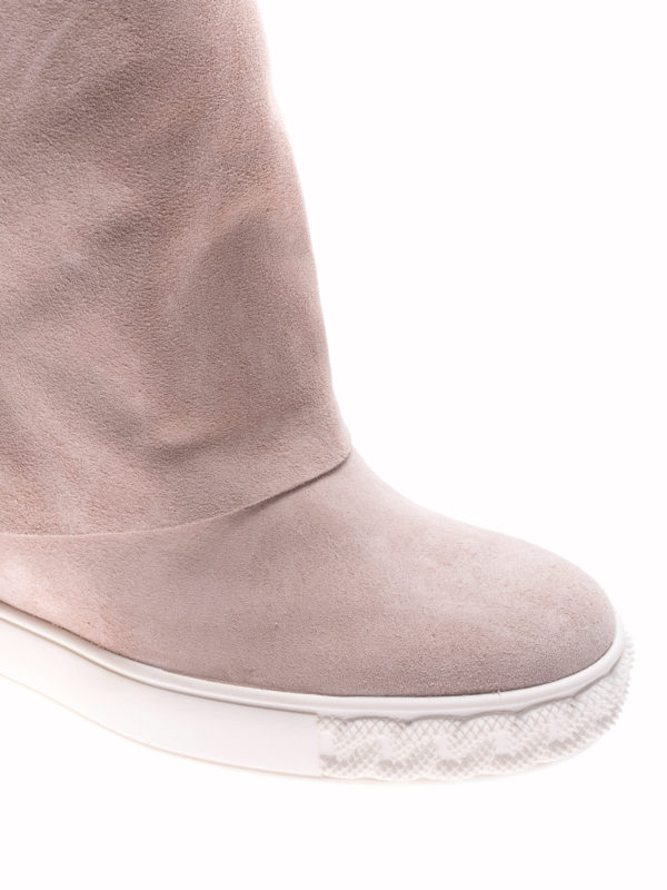 iKRIX Casadei: boots - Reversible pink suede wedge boots