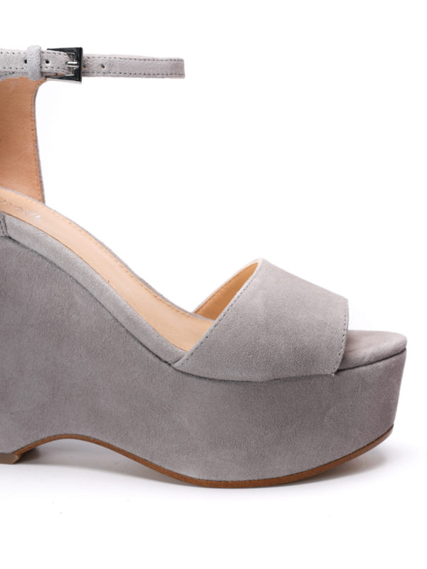 iKRIX Michael Kors: sandals - Claire wedge suede sandals