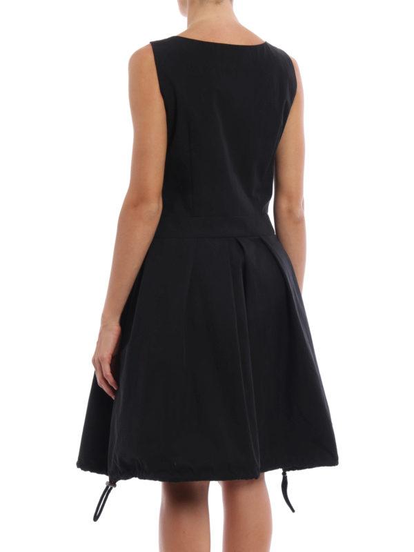 iKRIX Moschino: Knielange Kleider - Knielanges Kleid - Einfarbig