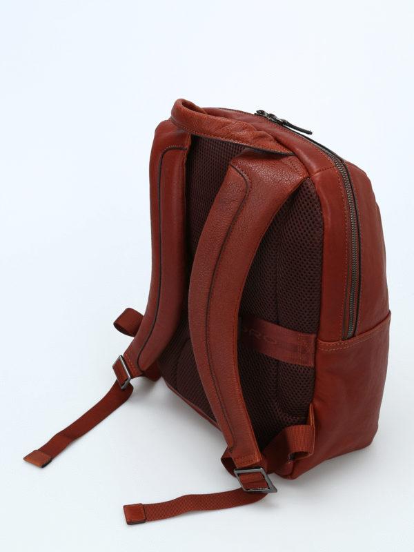 iKRIX PIQUADRO: backpacks - Light brown leather backpack