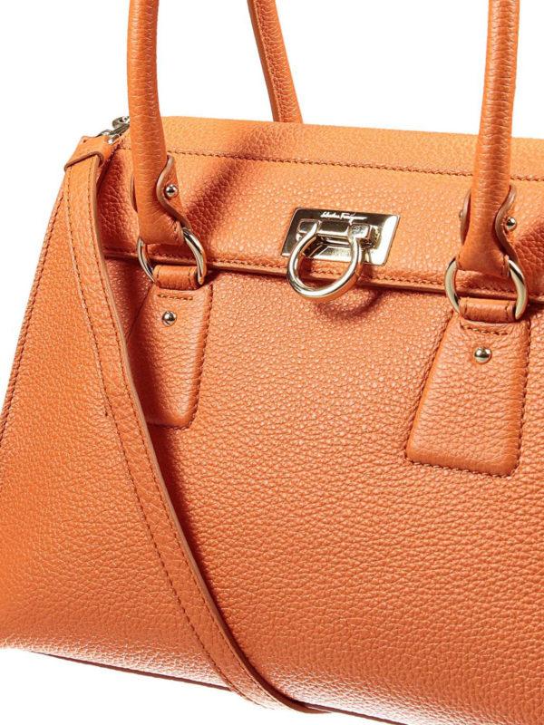 f5dfba0dbed7 Salvatore Ferragamo - Lotty medium tote - totes bags - 21F293 626974