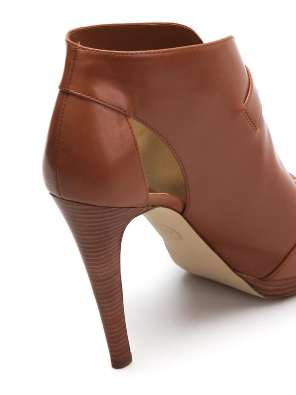 Isabella leather pump shop online: Michael Kors