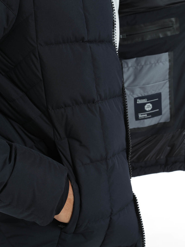 Laminar short padded jacket