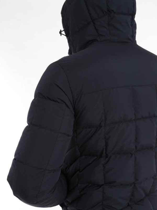 Kurze Daunenjacken shop online. Laminar short padded jacket