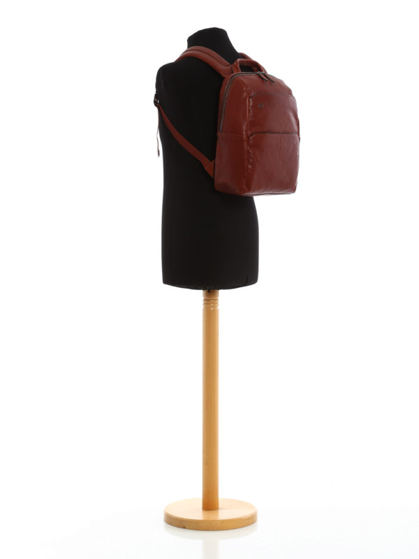 iKRIX PIQUADRO: Light brown leather backpack