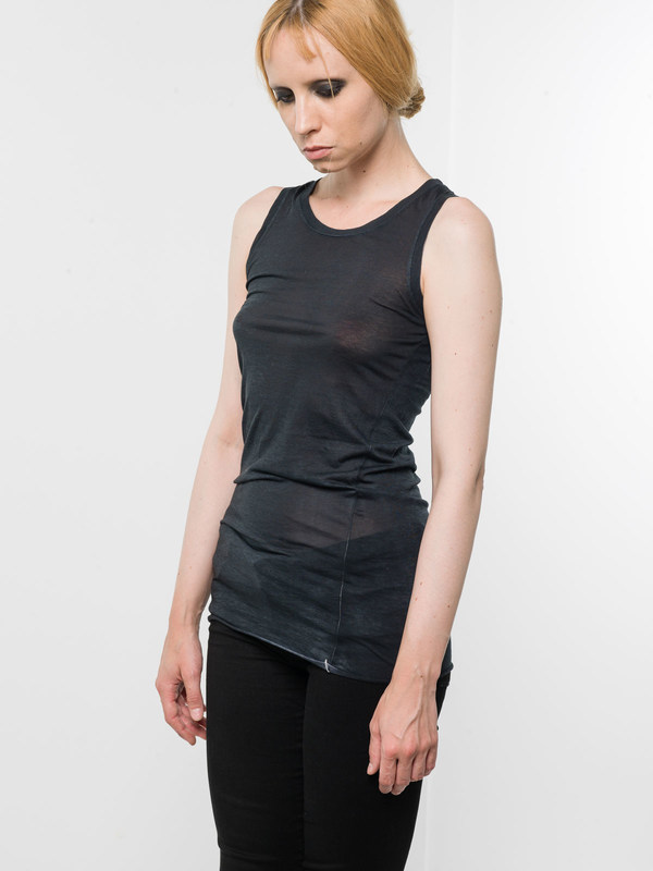 Round neck sleeveless top shop online: Avant Toi