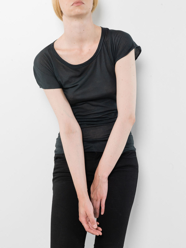Round neck T-shirt shop online: Avant Toi