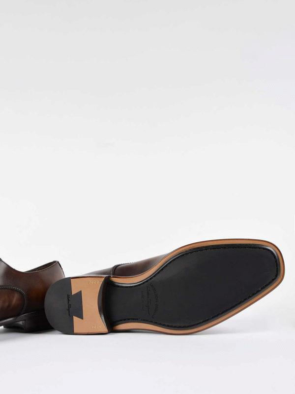 SALVATORE FERRAGAMO buy online Klassische Schuhe - Dunkelbraun
