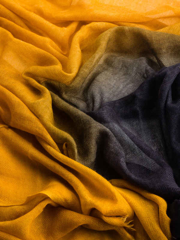 Yellow / black scarf shop online: Avant Toi