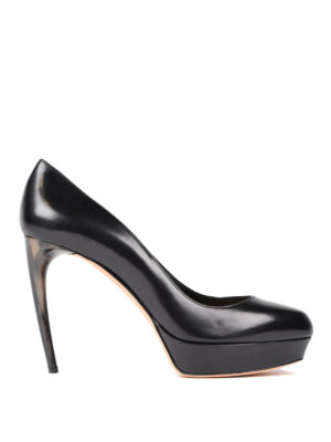 Alexander Mcqueen: court shoes - Curved heel leather pumps