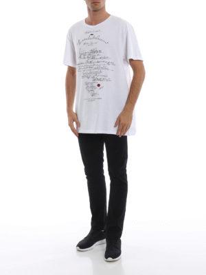 ALEXANDER MCQUEEN: t-shirt online - T-shirt bianca oversize con stampa graffiti