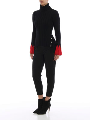 ALEXANDER MCQUEEN: maglia a collo alto e polo online - Dolcevita in misto lana con polsini rossi