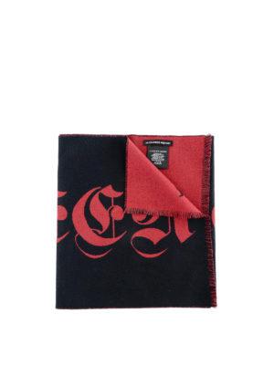 ALEXANDER MCQUEEN: sciarpe e foulard - Sciarpa in lana con logo gotico
