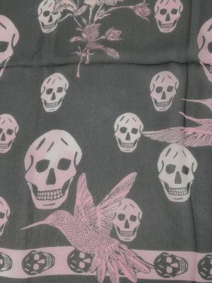 Alexander Mcqueen: scarves online - Skull and floral print silk foulard