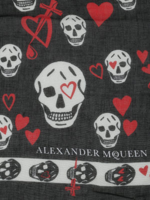 Alexander Mcqueen: scarves online - Skull and hearts print foulard