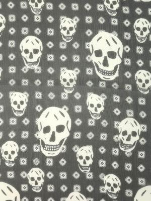 Alexander Mcqueen: scarves online - Skull silk foulard