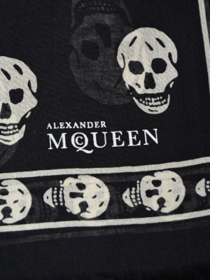 Alexander Mcqueen: Stoles & Shawls online - Big Skull black and white shawl