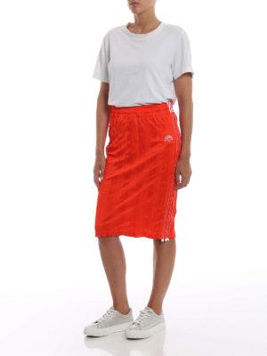 ALJA: gonne al ginocchio  e longuette online - Tubino arancione in tessuto stropicciato