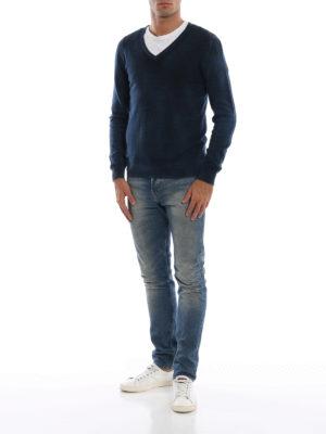AVANT-TOI: maglia collo a v online - Pull slim in cashmere verniciato velvet