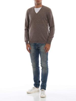 AVANT-TOI: maglia collo a v online - Pull slim in cashmere color visone