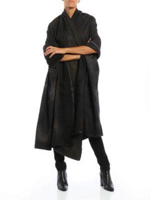 Avant Toi: Stoles & Shawls online - Oversize boucle studded shawl