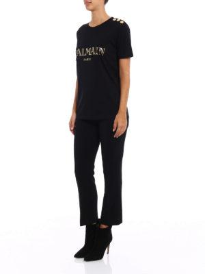 Balmain: t-shirts online - Logo print and buttons black Tee