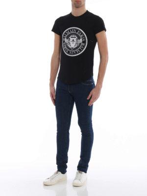 Balmain: t-shirts online - Velvety logo drilled black T-shirt