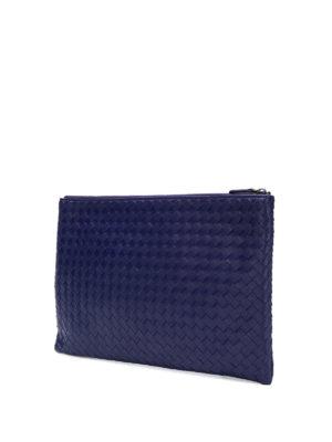 BOTTEGA VENETA: pochette online - Pochette Biletto in Intrecciato blu con zip
