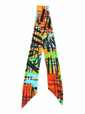 BURBERRY: sciarpe e foulard online - Sciarpa sottile in seta tartan con graffiti