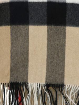 BURBERRY: Stole & Scialli online - Scialle in cashmere tartan