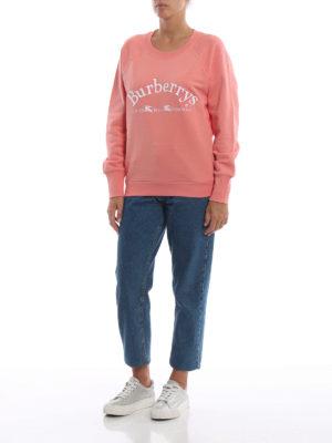 BURBERRY: Felpe e maglie online - Felpa girocollo Battarni in cotone rosa