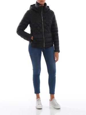 Colmar Originals: giacche imbottite online - Piumino nero con cappuccio rimovibile