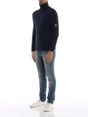 CP COMPANY: maglia a collo alto e polo online - Lupetto Lens blu scuro in misto lana