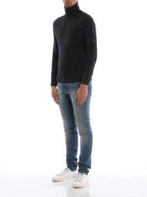 CP COMPANY: maglia a collo alto e polo online - Lupetto Lens verde mélange in misto lana