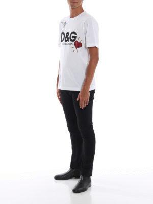 DOLCE & GABBANA: t-shirt online - T-shirt bianca in cotone con stampa Cupido