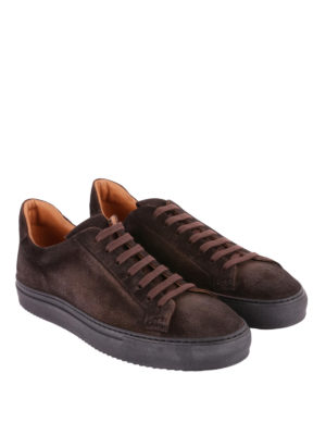 Doucal's: sneakers online - Sneaker in morbido suede sui toni del marrone
