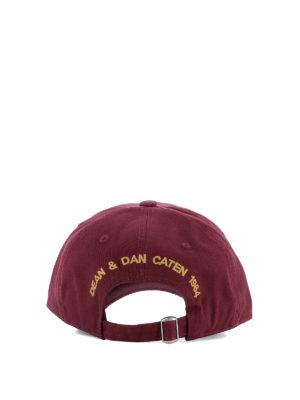 Dsquared2: hats & caps online - DSQ2 burgundy baseball cap