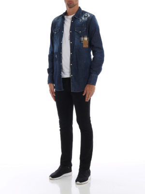 DSQUARED2: camicie online - Camicia in denim effetto used con patch