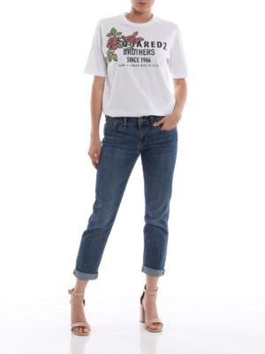 DSQUARED2: t-shirt online - T-shirt bianca a manica corta con ricamo