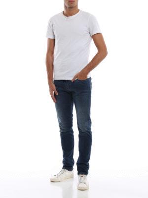 a sigaretta - Jeans cinque tasche J06 slim fit