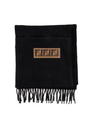 FENDI: sciarpe e foulard - Sciarpa in lana con tasca e logo ricamato